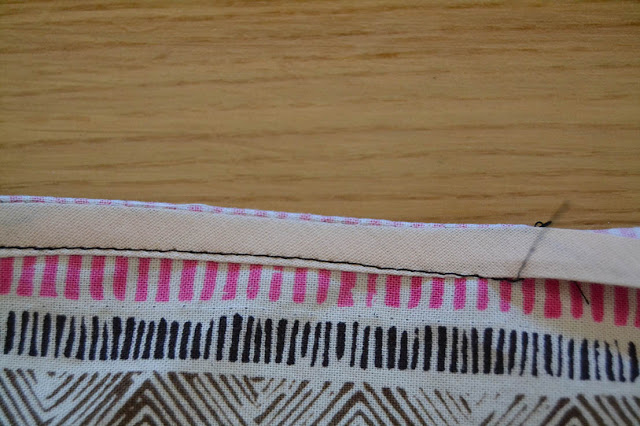 How-sew-bias-binding-Xerea-neckline-6