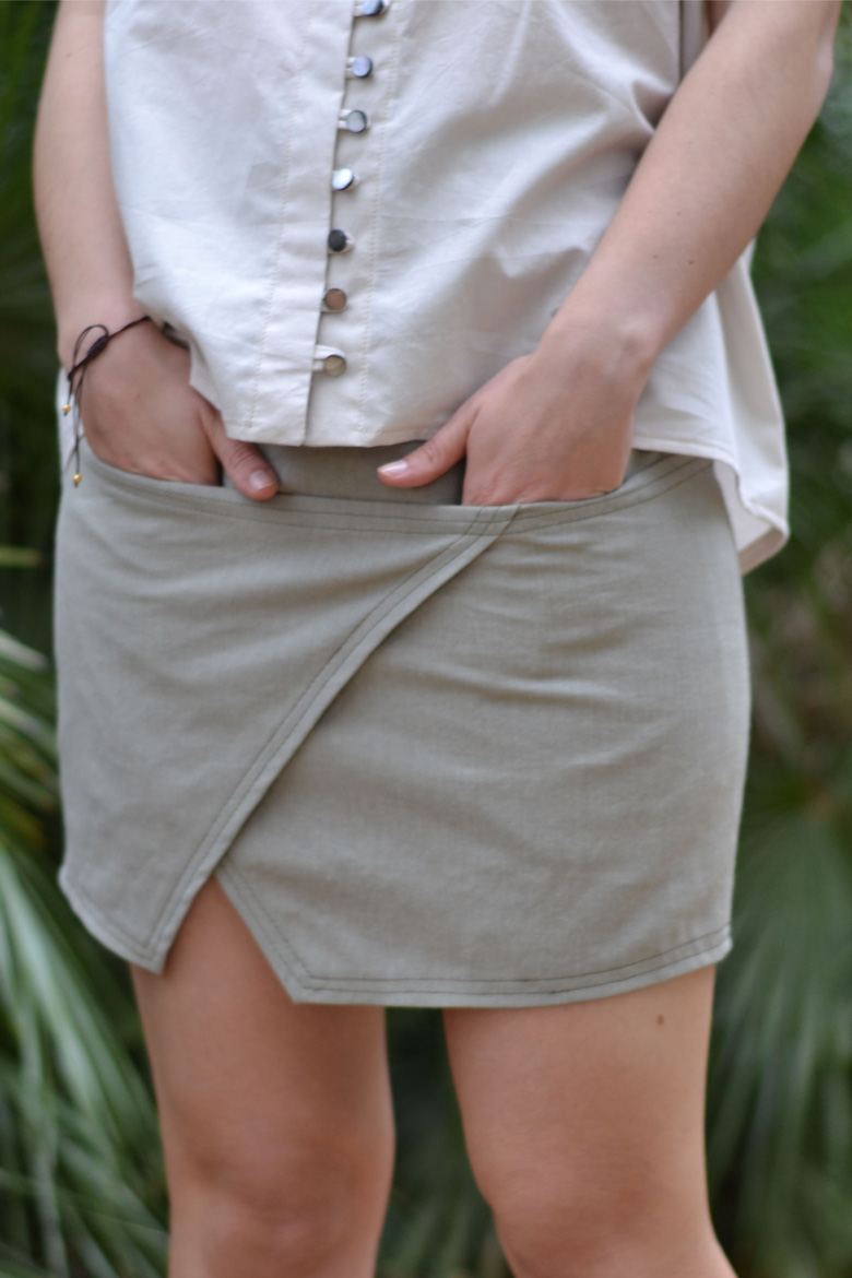 Safor skirt view A zoom