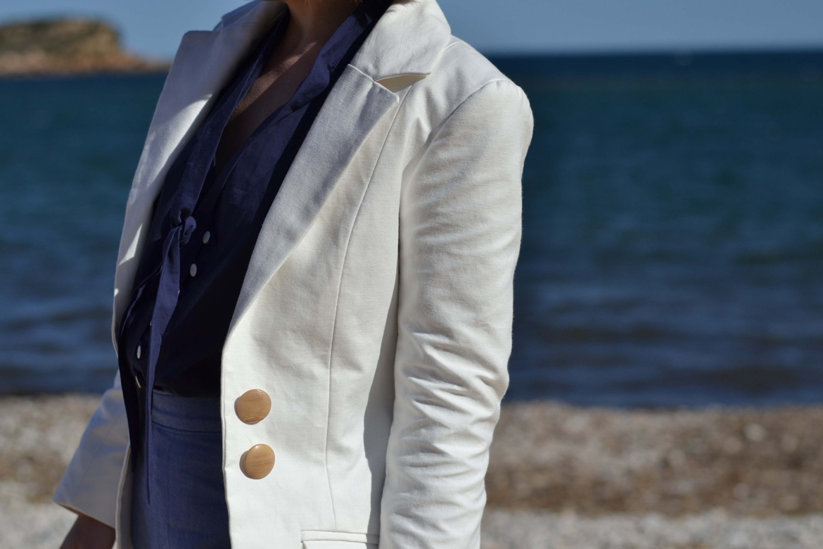 saler jacket in white gabardine zoom