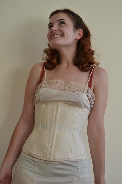 scarlett-dress-construction-sewing-pattern-1