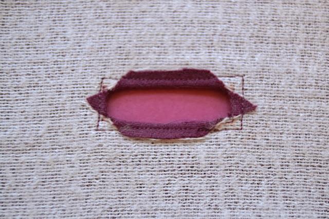 tutorial-buttonholes-opennings-facing-5